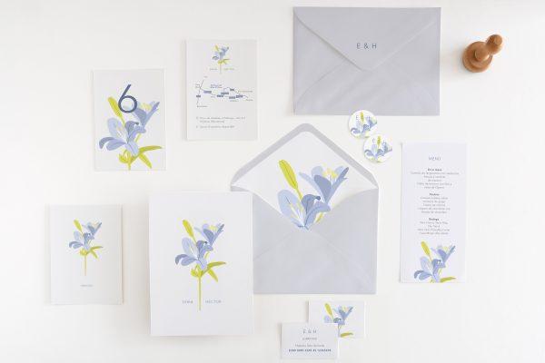 Modernas invitaciones de boda en colores de tendencia