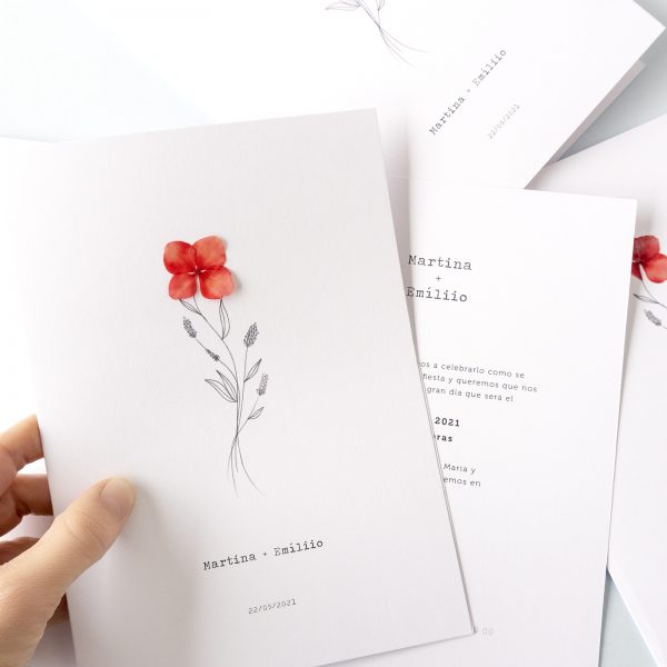 Invitaciones de originales minimalistas con flor natural roja